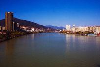阳光下的三明滨江美景