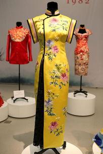 当代华服欣欣向荣黄色菊花女士短袖旗袍