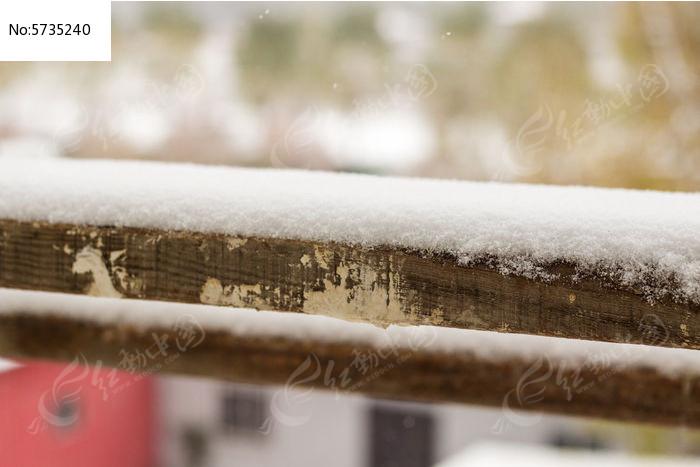 木棍上的雪图片,高清大图