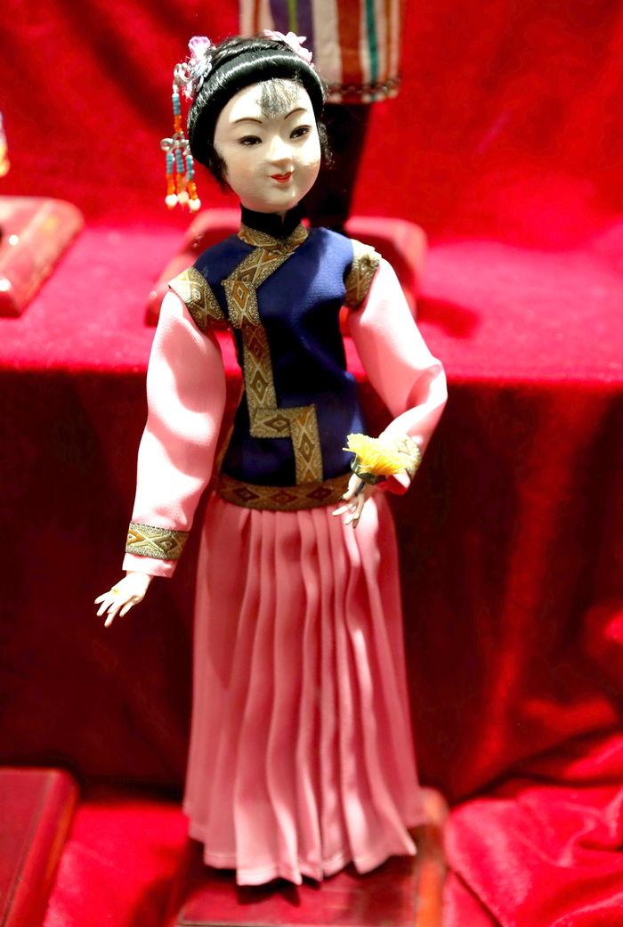 中华五十六个民族 服饰达斡尔族图片 ,高清 大图
