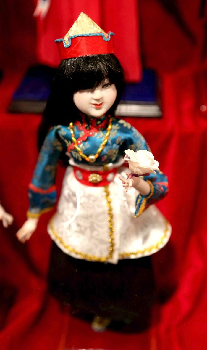 中华 五十六个 民族服饰 门巴族图片,高清大图 传