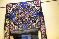 蝶纹刺绣布贴背带