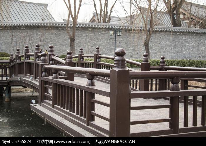 中国古典栏杆走廊图片