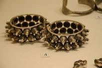 银饰手饰-苗族宝花绳纹宽边银手足