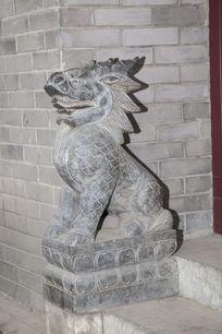 龙形石雕造型