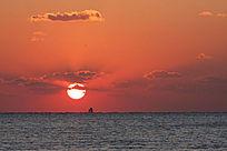 海上红日升起