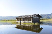 水上小木屋