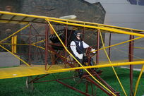 早期的螺旋桨飞机和驾驶员模型