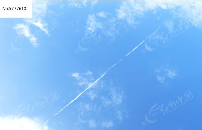 飞机尾迹图片,高清大图