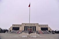 广场上的红旗