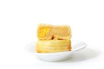 切开的蛋黄馅饼