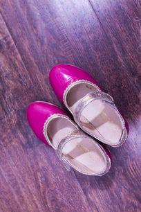 粉红色女鞋