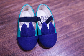 蓝色兔耳朵鞋