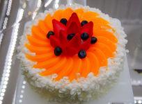 蜜桃轻舞蛋糕