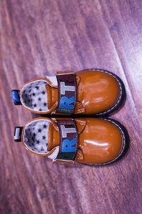 棕色时尚皮鞋