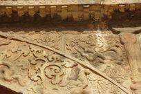 北京五塔寺金刚宝座塔拱门上纹饰与雕龙