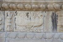 北京五塔寺金刚宝座塔须弥座上的五方佛坐骑孔雀