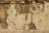 北京五塔寺金刚宝座塔须弥座上雕刻的石狮