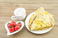 鸡蛋饼和番茄