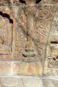 金刚宝座塔须弥座上的雕饰隔断