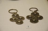 苗族廻旋纹银耳环