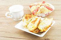 煎饺火腿包和咖啡