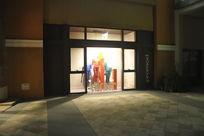街边的服装橱窗