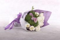 紫色鲜花束