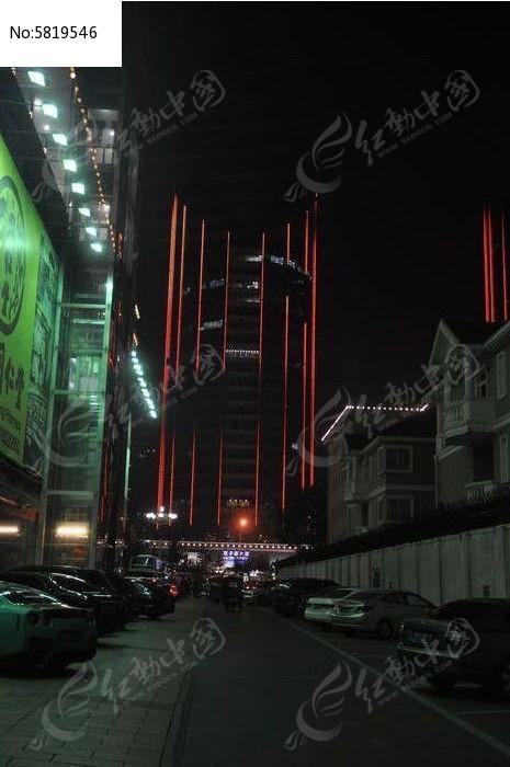 远看LG大厦夜景图片