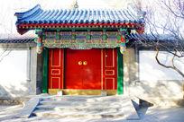 中式雕花大门