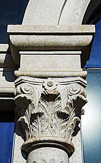 中银大楼墙壁柱叶的图案石雕