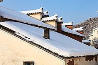 马头墙上的积雪