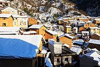 阳产土楼雪景