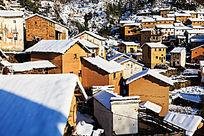 阳产土楼雪景风光
