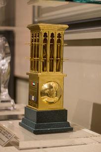 迪拜国际改善居住环境最佳范例奖奖杯