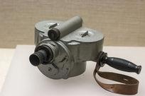 荷兰著名记录电影艺术家赠给延安电影团的手提摄影机