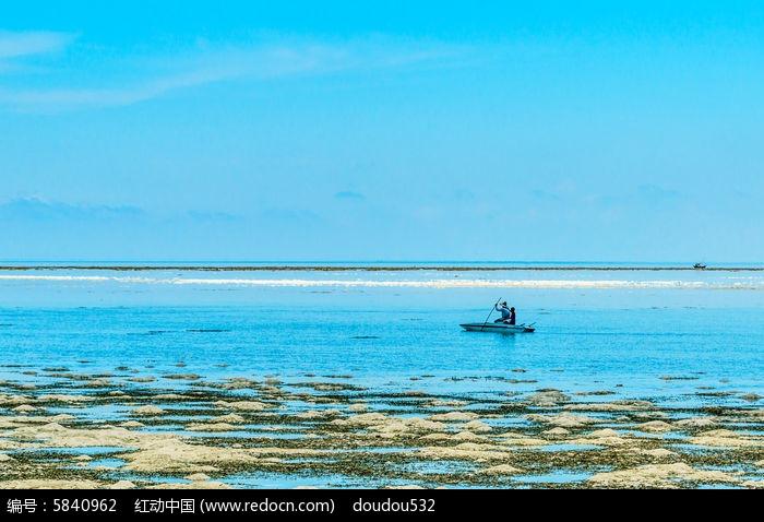 蓝天 白云 海洋 大海 水面 小船 渔民