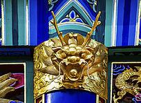 龙王殿楹联牌匾顶部之龙头