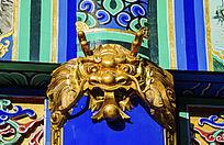 元辰殿楹联顶部龙头