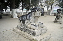 生肖石雕牛