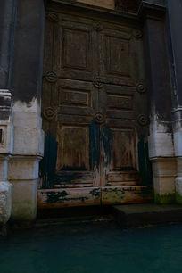 古老的大门