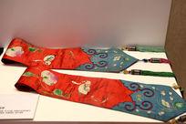 蜀绣清代红缎绣花窗帘飘带