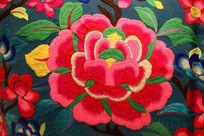 现代蜀绣团花图案抱枕