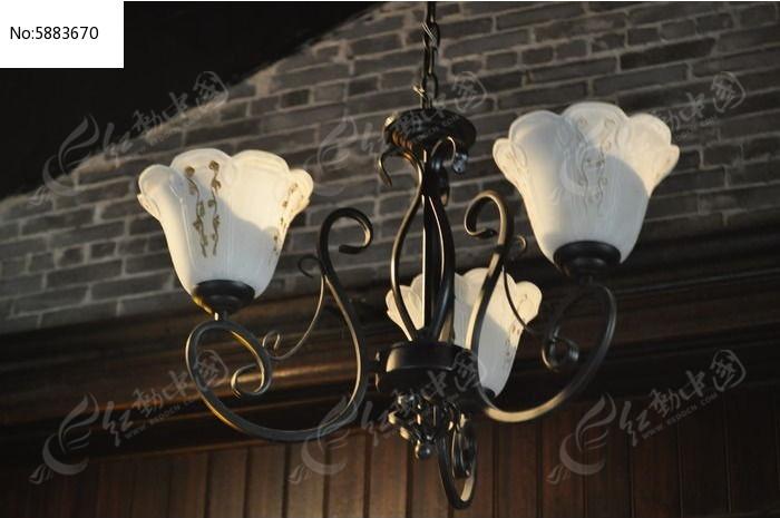 欧式铁艺吊灯图片,高清大图