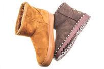 两款保暖靴子