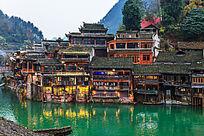 湘西凤凰古镇的黄昏景色