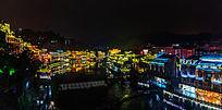 湘西凤凰古镇的沱江夜晚景色