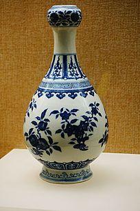 花纹图案陶瓶