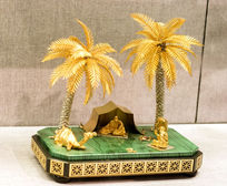 金银枣椰树人物摆件