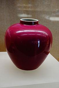 红色陶瓷瓶